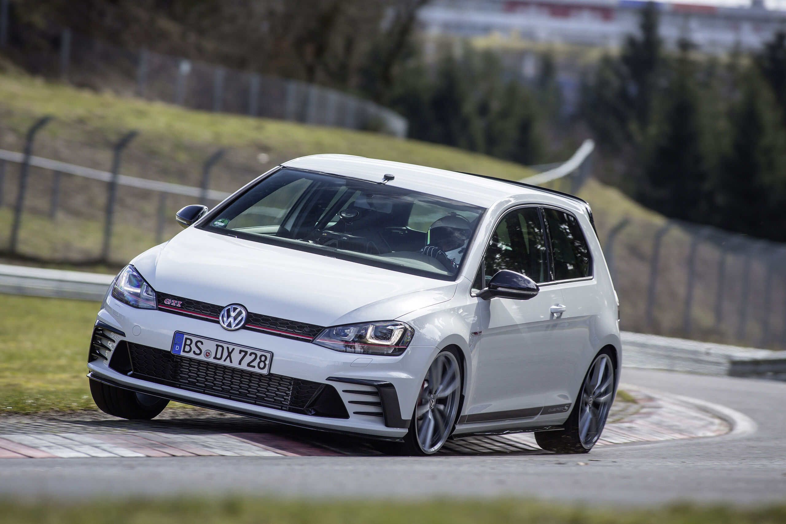 VW Golf GTI Clubsport S bele barve